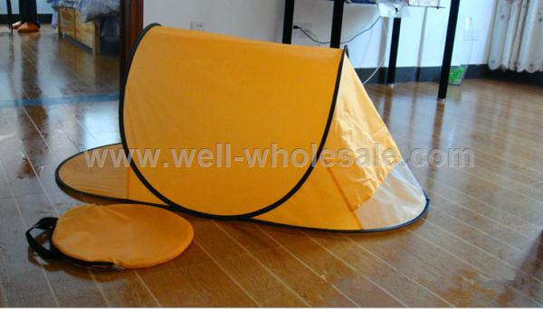 Portable pop up beach tent/shelter